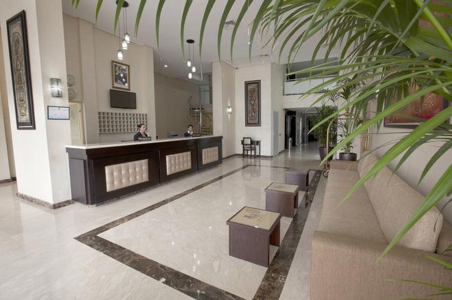 Alwalid Hotel - Casablanca - Front desk