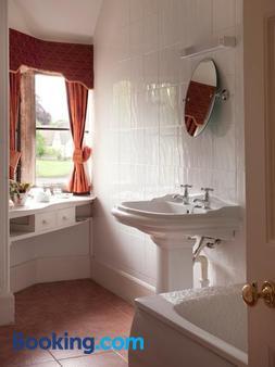 Amberley Inn - Stroud - Bathroom