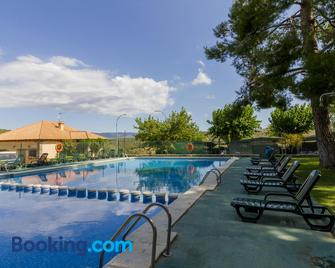 Camping-Bungalows Altomira - Navajas - Pool