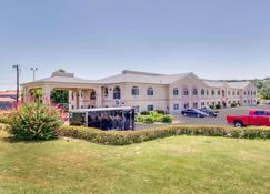 Quality Inn & Suites Kerrville - Kerrville - Rakennus