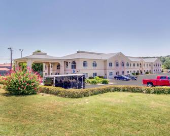 Quality Inn & Suites Kerrville - Kerrville - Gebouw