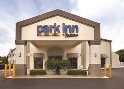 Park Inn by Radisson Albany - Albany - Edificio