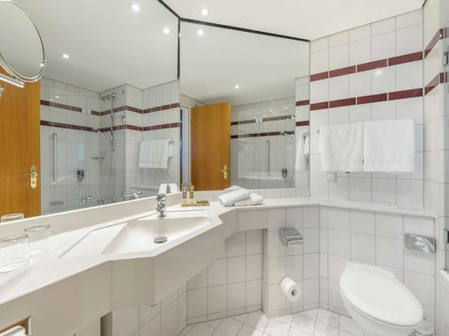 노보텔 프라이부르그 암 콘체르트하우스 - 프라이부르크임브라이스가우 - 욕실
