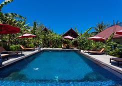 Naradas Mushroom Beach - Nusa Penida - Pool