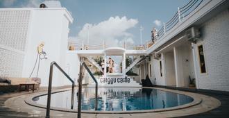 Canggu Castle - Hostel - North Kuta - Pool
