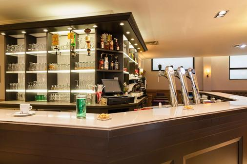 The Originals City, Hôtel Astoria Vatican, Lourdes (Inter-Hotel) - Lourdes - Bar