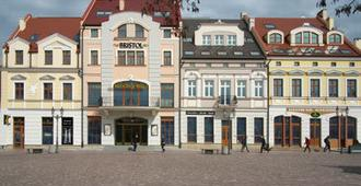 Bristol Tradition And Luxury - Rzeszów - Edificio