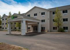 Holiday Inn Express & Suites North Conway - North Conway - Budynek