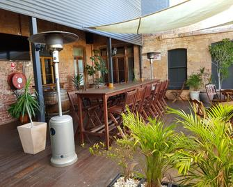 Commercial Hotel - Charters Towers - Terasa
