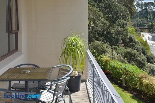 Falls Motel & Waterfront Campground - Paihia - Balcony