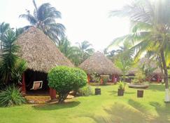 Paraiso Beach Hotel - Big Corn Island - Widok na zewnątrz