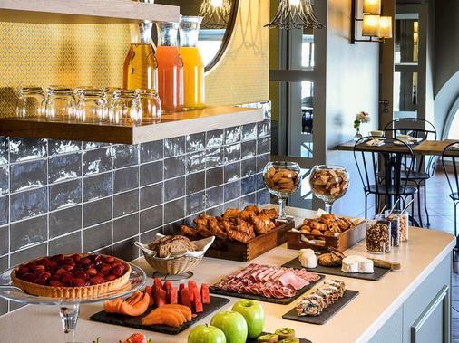寶瓦馬賽舊港美憬閣索菲特酒店 - 馬賽 - 馬賽 - 自助餐