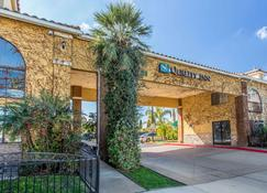 Quality Inn Hemet - Hemet - Building