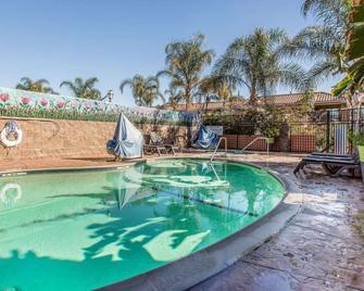 Quality Inn Hemet - San Jacinto - Hemet - Pool