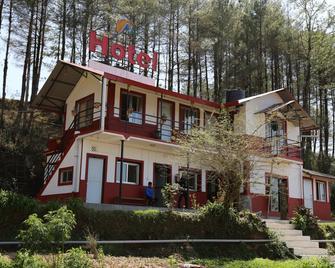 Hotel Mount Paradise - Nagarkot - Building