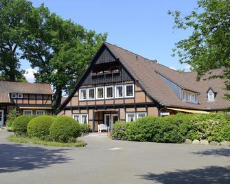 Landhaus Hotel garni Strampenhof - Bad Bevensen - Building