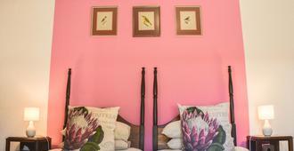 Old Thatch Lodge - Свеллендам - Спальня