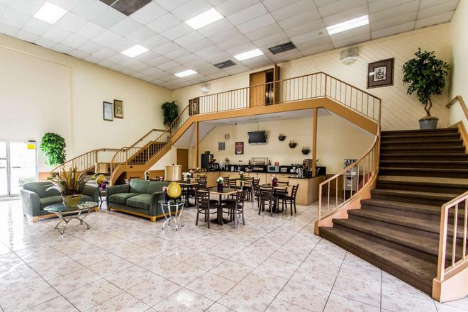 Econo Lodge - Jacksonville - Lounge