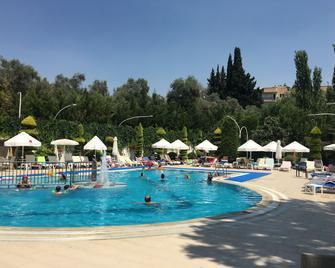 Opus Apart Hotel - Kusadasi - Pool