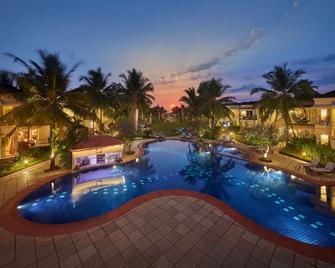 Royal Orchid Beach Resort & Spa - Utorda - Zwembad