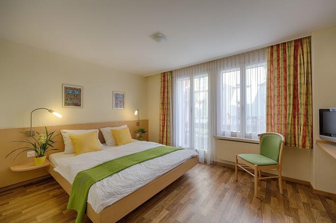 阿茲特克布盧默酒店 - 因特拉肯 - 臥室