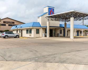 Motel 6 Port Lavaca - Port Lavaca - Building