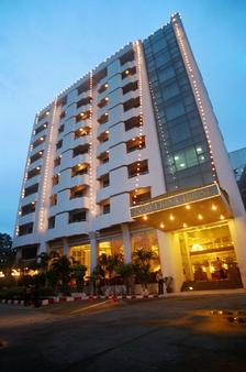 Ebina House - Bangkok - Rakennus
