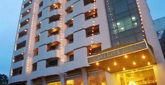 愛賓娜家園酒店 - 曼谷 - 曼谷 - 建築