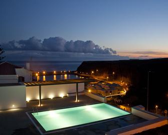 Pja - Santa Maria Youth Hostel - Vila do Porto - Pool