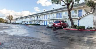 Motel 6 Hayward, Ca - East Bay - Hayward - Building