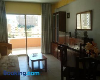 Apartamentos Ocaña - Finestrat - Wohnzimmer