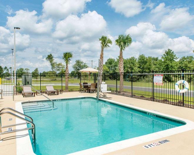 Sleep Inn & Suites Defuniak Springs - Crestview - DeFuniak Springs - Pool