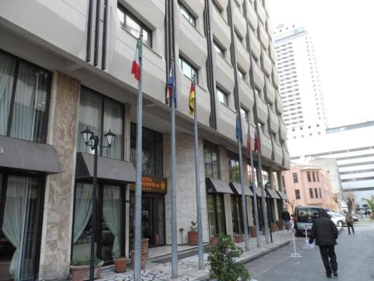 Yumukoglu Hotel - Izmir - Building