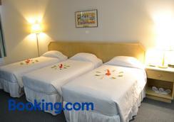 West Plaza Desekel - Koror - Bedroom