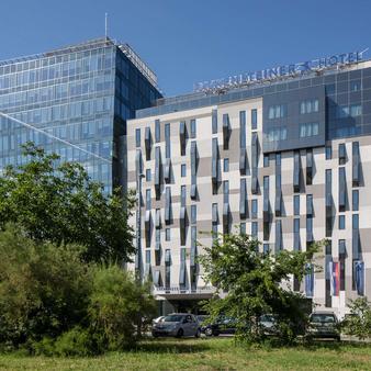 Falkensteiner Hotel Belgrade - Belgrad - Rakennus