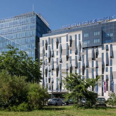 Falkensteiner Hotel Belgrade - Belgrade - Building