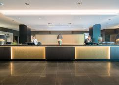 Best Western Premier Central Hotel Leonhard - Feldkirch - Front desk