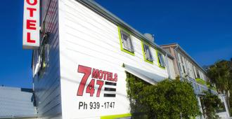 747 Motel & Car Hire - וולינגטון