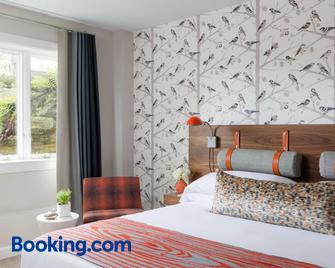 Field Guide Lodge - Stowe - Bedroom
