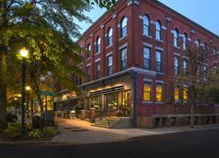 Fairfield Inn and Suites by Marriott Keene Downtown - Кин - Здание