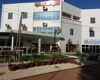 Woodpecker Resort - Serrekunda - Building