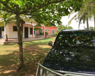 Twitter Paradise Guest House - Ampeni - Outdoors view