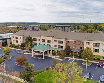 Courtyard by Marriott Concord - Concord - Building