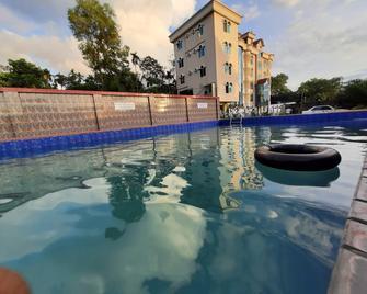 Grand Selim Resort & Tour - Srimangal - Pool