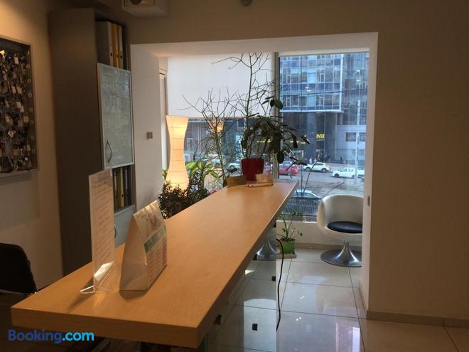 Partner Guest House Klovskyi - Kyiv - Front desk