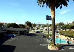 Ocean Palms Motel - Pismo Beach - Outdoor view