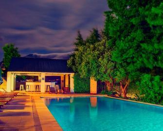 Le Franschhoek Hotel & Spa - Franschhoek - Pool