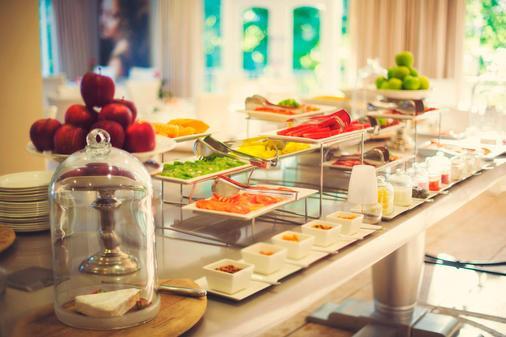 弗朗斯胡克溫泉酒店 - 法國角 - 弗朗斯胡克 - 自助餐