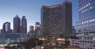 Makati Shangri-La, Manila - מאקאטי סיטי - בניין