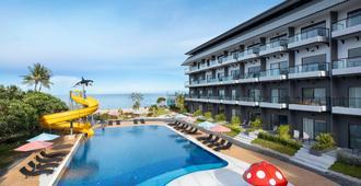 長灘花園酒店 - 七岩 - 七岩 - 游泳池